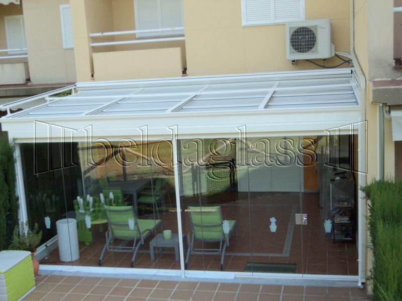 Cerramientos de terrazas adraglass for Cerramientos patios interiores