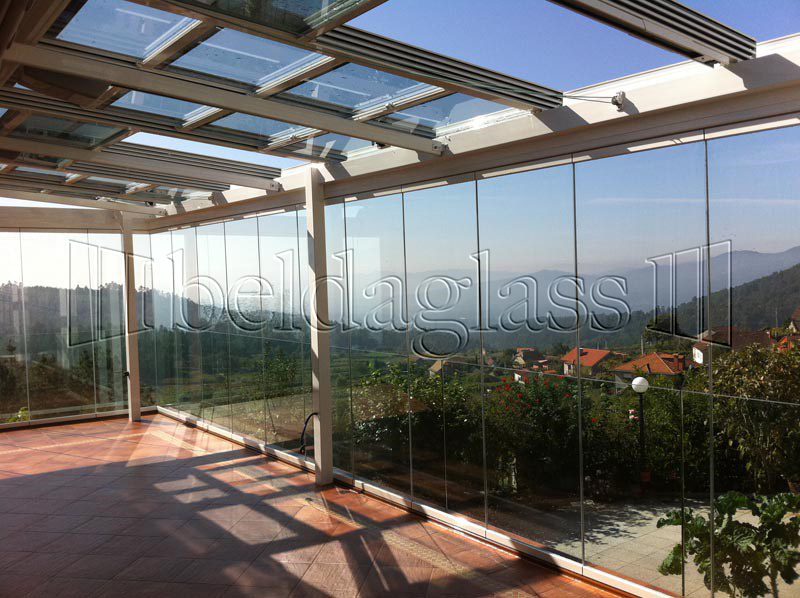 Techos moviles de cristal adraglass - Cerramiento de patios ...
