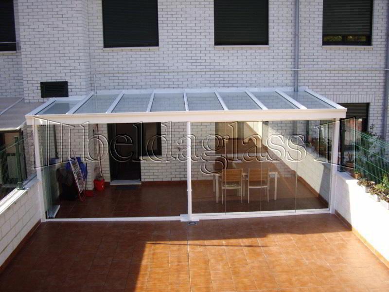 Techos fijos de policarbonato adraglass soluciones con - Cubiertas para patios ...