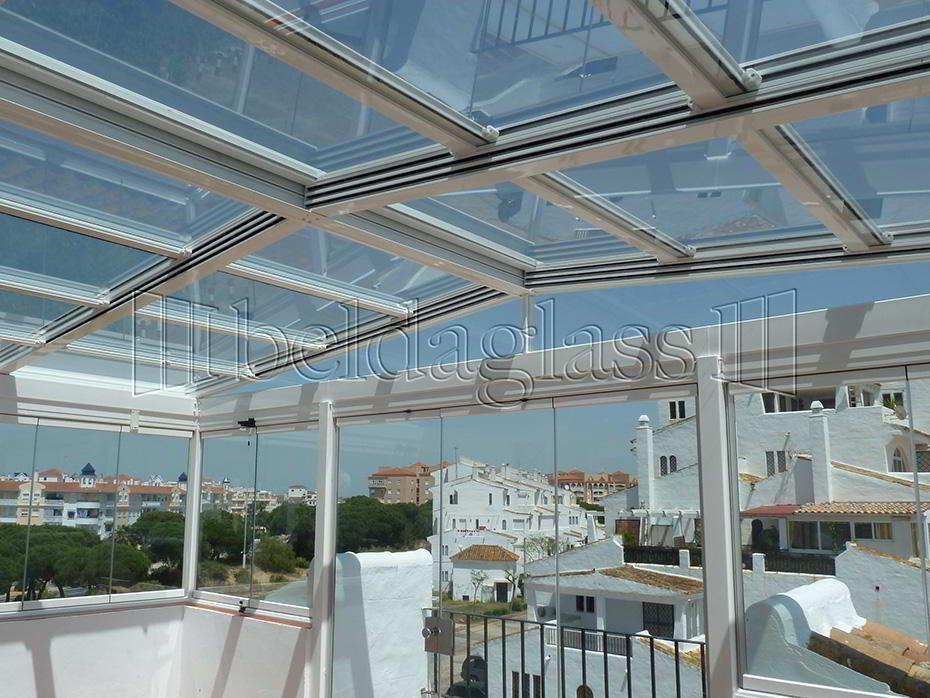 Techos moviles de cristal adraglass for Cubiertas transparentes para techos